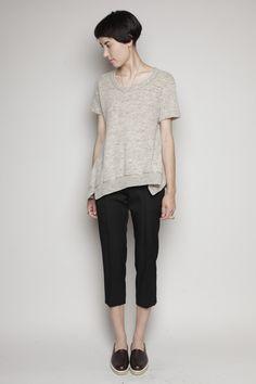 Short Hair Fashion Outfits, Yohji Yamamoto, Black Pants, Short Hair Styles, Normcore, Black Slacks, Bob Styles, Black Chinos, Short Hair Cuts