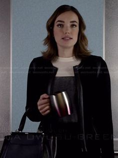 Jemma's black and white colorblock sweater and black handbag on Agents of SHIELD Hottest Female Celebrities, Celebs, Elizabeth Henstridge, Lady In My Life, Fitz And Simmons, Cut Her Hair, Marvel Girls, Color Block Sweater, Black Handbags