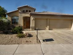 29806 N 48TH WAY Cave Creek Move-in ready 3 bedroom, 2 bath single-story home w/3 car-garage in gated Tatum Greens/Tatum Ranch community. New paint inside and out. #cavecreek #realestate #tatumranch #tatumgreens