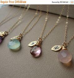ON SALE Brautjungfern Halsketten SET von fünf - Stein und Initial alle Gold Filled schönes Geschenk, Bridal Party, Blatt gestempelt, Brautjungfer,