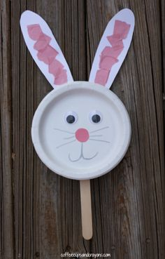 Easy Paper Plate Bunny Puppet Craft!