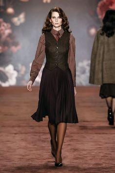 22c034c2f0da 38 najlepších obrázkov z nástenky Fashion ~ Classic style (skirts ...