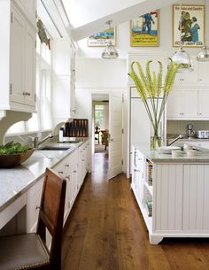 Traditional Kitchen by Elissa Cullman and John B. Murray Architect in…