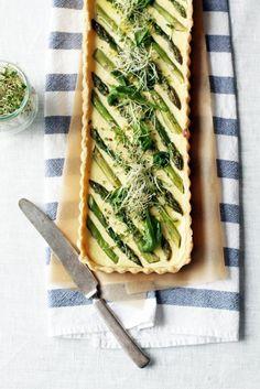 Ricotta-parsapiirakka // Ricotta & Asparagus Pie Food & Style Tiina Garvey, Fanni & Kaneli Photo Tiina Garvey www.maku.fi