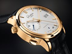 Glashutte Original Senator Diary, Just 1 of 5 watches included in our article about luxury watches with mechanical alarms. Swiss Luxury Watches, Luxury Watches For Men, Glashutte Original, Swatch, Armani Watches, Bracelet Cuir, Omega Speedmaster, Gold Hands, Automatic Watch