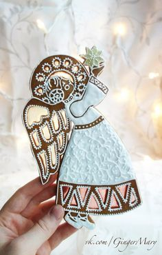 Angel gingerbread cookie, so beautiful Christmas Cupcakes, Christmas Sweets, Christmas Gingerbread, Christmas Love, Christmas Angels, Christmas Baking, Gingerbread Cookies, Gingerbread Houses, Fancy Cookies