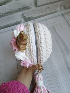 Unicorn round children bag, white with gold, shiny eyes, hand-knitted, size cm Diy Crochet Patterns, Shawl Patterns, Crochet Case, Crochet Dolls, Peacock Crochet, Shiny Eyes, Crochet Backpack, Knitted Bags, Learn To Crochet
