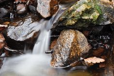 Waterfall pictures: set up DSLR to shoot moving water