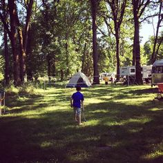 Perfect afternoon at Champoeg. Badminton, Ladderball and Bocce seems to be the theme at every campsite in our row.