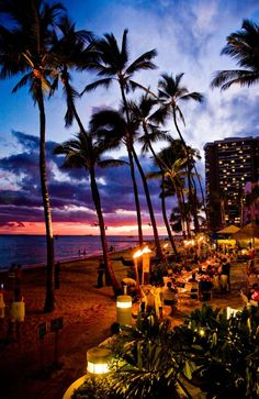 Rumfire Bar at Waikiki has the best views in town. Picture: Hawaii Tourism.