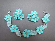 VTG Coro Plastic Flower Bracelet Clip  Earrings Rhinestone Turquoise Blue Stone