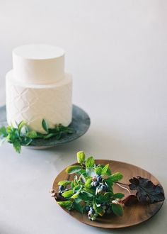 How to decorate your wedding cake with natural fresh flowers | Jen Huang, Studio Mondine, Nine Cakes | Visit JenHuangBlog.com