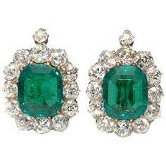 Antique Emerald Diamond Gold Cluster Earrings