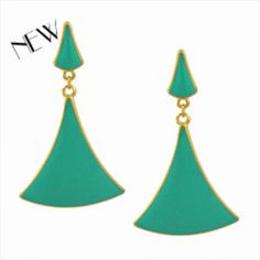 Brinco triângulo com resina verde turquesa - Cód. B144 - Amora Chic
