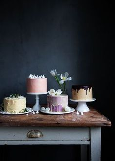 Cakes styling drizzle dark wall