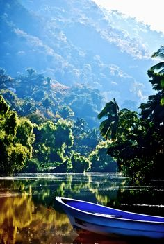Cualquier lago del sur de Chile se parece a este