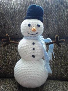 Sammi the Snowman Crochet PATTERN