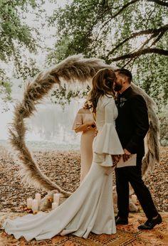 49 Cute Bohemian Style Wedding Dress Ideas For Outdoor Wedding Low Cost Wedding, Camp Wedding, Wedding Ceremony, Dream Wedding, Wedding Sparklers, Wedding Venues, Wedding Store, Wedding Themes, Exotic Wedding