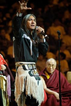 Gene Tagaban - Cherokee, Tlingit, Filipino Storyteller w Dalai Lama Native American Actors, Native American Pictures, Native American Beauty, American Spirit, American Indian Art, Native American History, American Pride, Native American Indians, Cherokee Nation