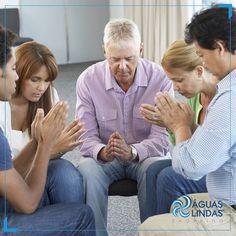 Vamos orar pelos nossos entes queridos que não estão mais entre nós, afinal, hoje é o Dia de Finados.