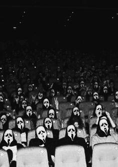 40 Best Horror Movies On Netflix Right Now - Update Freak Scary Movies, Horror Movies, Comedy Movies, Film Scream, Scream Fest, Scream 2, Arte Tim Burton, Ghost Faces, Black And White Aesthetic