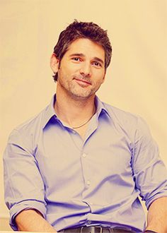 I'm not generally a HUGE Eric Bana fan, but this is a nice photo. Pretty sure that half smile and twinkle in his eyes is purely Australian.