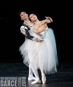 Misa Kuranaga and Herman Cornejo performing the Giselle pas de deux on 8.7.10 at the Vail International Dance Festival. Photo (C) 2010 Erin Baiano.