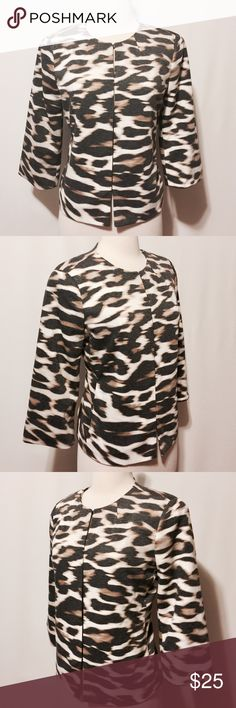 """✨ NWOT Animal Print Scoop Neck Jacket Classic! Hook & eye closure, three quarter sleeves, in seam pockets (closed) jacket. Fully lined. Roomy relaxed fit. 75% Poly 21% Rayon 4% Spandex 100% Poly lining Machine washable 40"""" bust 22 1/2"""" overall length East 5th Jackets & Coats Blazers"""