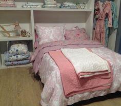 Pip badjas Granny white,pink,sprei Feeling Quilty,overtrek Lacy Dutch,Hummingbirds,white,bleu,pink