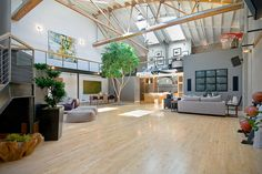 "This Old San Francisco Warehouse Was Converted Into The Ultimate ""Basketball Court"" Bachelor Pad"