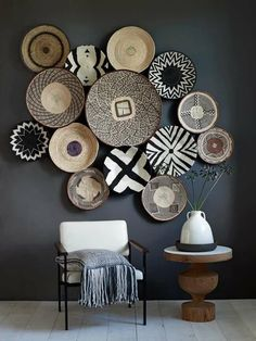 Nice Chic Living Room Wall Decor Ideas - Page 35 of 39 Room Wall Decor, Diy Wall Decor, Bedroom Decor, Decor For Large Wall, Chic Living Room, Living Room Decor, African Interior Design, Baskets On Wall, Home And Deco