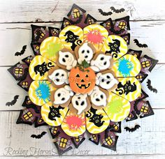 Cutters from Stencils from The cute ghosts from tutorials on Ghost Cookies, Fall Cookies, Pumpkin Cookies, Cupcake Cookies, Sugar Cookies, Cookie Cakes, Halloween Cookies Decorated, Halloween Desserts, Halloween Treats