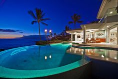 Dream Home in Hawaii ..paradise and a jacuzzi n pool under the stars...It doesn't get much better than this~