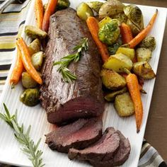 Beef Tenderloin with Roasted Vegetables Recipe -I appreciate this recipe because it includes a side dish of roasted potatoes, brussels sprouts and carrots, giving me one less dish to think about! Vegetable Recipes, Meat Recipes, Cooking Recipes, Healthy Recipes, Game Recipes, Vegetable Dishes, Cooking Time, Pasta Recipes, Recipies