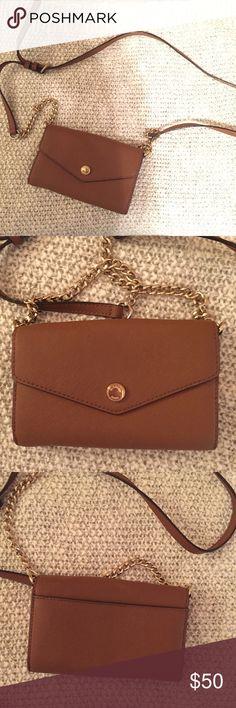 Michael Kors crossbody Tan Michael Kors crossbody purse with gold hardware Michael Kors Bags Crossbody Bags