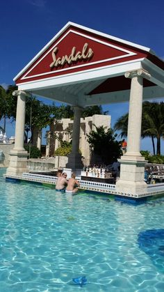 Swim up bar at Sandals Royal Bahamian - Had drinks right here. Bahamas Cruise, Nassau Bahamas, Cruise Port, Beach Vacations, Vacation Trips, Dream Vacations, Sandals Bahamas, Royal Bahamian, Beatitudes