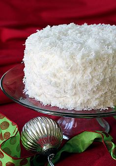 The Galley Gourmet: Sunday Dinner - Christmas Coconut Cake Christmas Sweets, Noel Christmas, Christmas Goodies, Christmas Cakes, Just Desserts, Delicious Desserts, Dessert Recipes, Cupcake Recipes, Holiday Baking