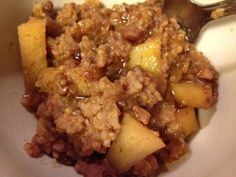 Apple Cinnamon Quinoa - a breakfast crockpot favorite from healthyalamode.com