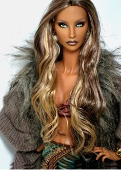 Fashion Royalty OOAK Hanne Erickson/Erikson repaint reroot by Claudia Barbie Style, Girl Barbie, Barbie And Ken, Barbie Fashion Royalty, Fashion Dolls, Manequin, Diva Dolls, Dolls Dolls, African American Dolls