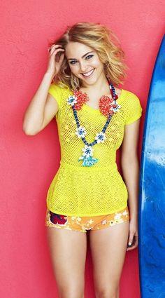 Gaya Fashion annasophia robb panties pendek