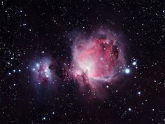 A nebulosa de Órion, também descrita como M42 ou NGC 1976,  é uma nebulosa difusa que se encontra entre 1500 e 1800 anos-luz do Sistema Solar, e situada a sul do Cinto de Órion. Foi descoberta por Nicolas-Claude Fabri de Peiresc em 1610 (anteriormente havia sido classificada como estrela - Theta Orionis).