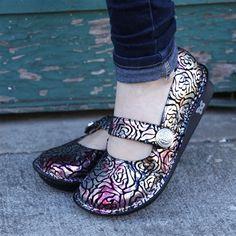 Feliz Gold Lace | Alegria Shoes