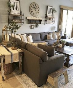 80+ Creative Farmhouse Living Room Decor Ideas #livingroomdecor #farmhouse  #homedecorideas