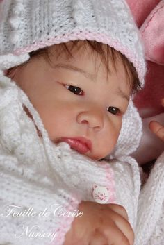 Feuille de Cerise Nursery - baby reborn doll Lilu by Adrie Stoete - belly plate