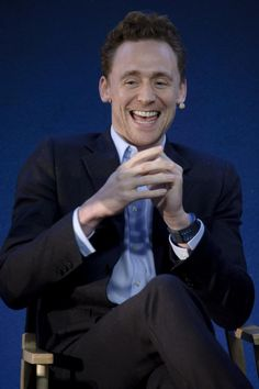 Tom Hiddleston laughing/eheheheing... x