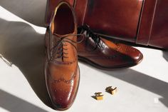 Close up of our 'Sodium' brogue by http://gentsstyleguide.com/2015/01/bared-footwear