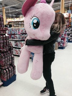 That's one giant unicorn Daddys Little, My Little Pony, Little Girls, Kittens Playing, Little Kittens, Little Doll, Jolie Photo, Little Princess, Plushies