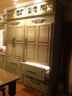 Sub-zero refrigerator and freezer drawers
