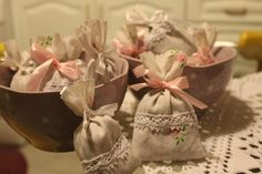 drabmelinda Napkins, Tableware, Diy, Crafts, Dinnerware, Manualidades, Towels, Bricolage, Dinner Napkins