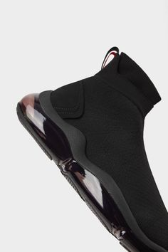 Laceless sneakers in technical fabric. Sock style design with mid-height shaft. Thick soles with air chambers. Best Sneakers, Casual Sneakers, Casual Shoes, Boys Designer Clothes, Designer Shoes, Mens Boots Fashion, Fashion Shoes, Zapatillas Slip On, Kicks Shoes